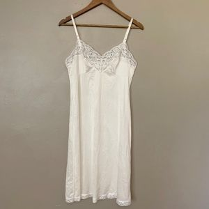 Vintage Vasserette White Lace Slip 38F